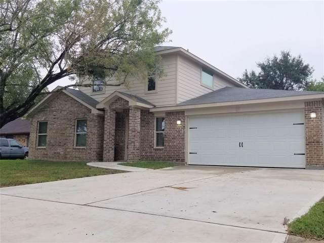 3005 Quail Hollow Circle, Baytown, TX 77521 (MLS #28821833) :: The Sold By Valdez Team