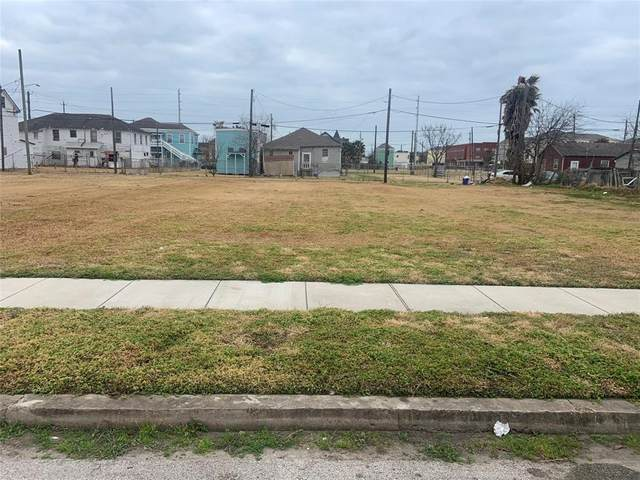 2815 Church Street, Galveston, TX 77550 (MLS #28842494) :: The SOLD by George Team