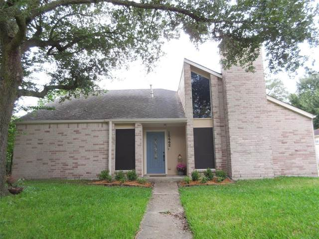 15442 Runswick Drive, Houston, TX 77062 (MLS #2888561) :: The SOLD by George Team