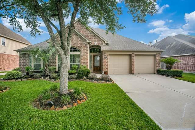 13607 Orchard Wind Lane, Pearland, TX 77584 (MLS #28963712) :: Lerner Realty Solutions