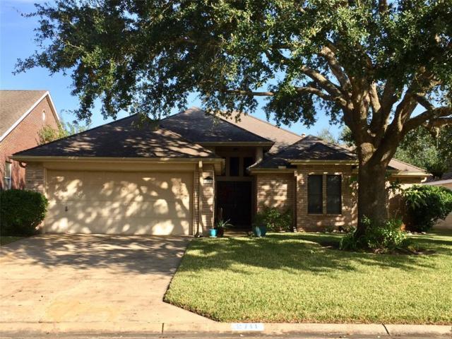 2711 S Peach Hollow Circle, Pearland, TX 77584 (MLS #29206743) :: Texas Home Shop Realty
