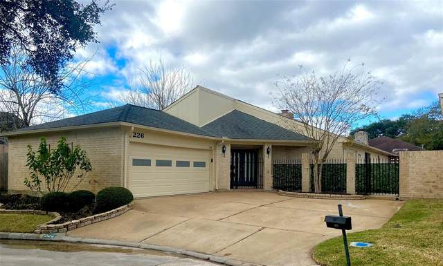 226 Essex Place, Stafford, TX 77477 (MLS #29316350) :: Lisa Marie Group | RE/MAX Grand