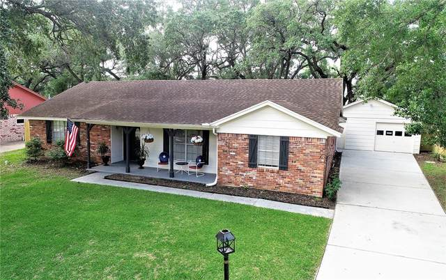 4906 Live Oak Drive, Dickinson, TX 77539 (MLS #29368107) :: Connell Team with Better Homes and Gardens, Gary Greene