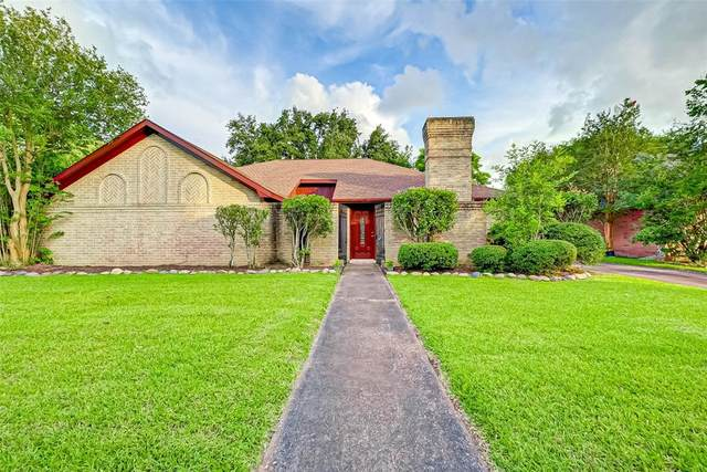 8911 Haverstock Drive, Houston, TX 77031 (MLS #29546078) :: The SOLD by George Team