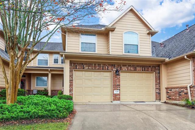 1738 Pepper Hill Lane, Sugar Land, TX 77479 (MLS #2958088) :: Texas Home Shop Realty