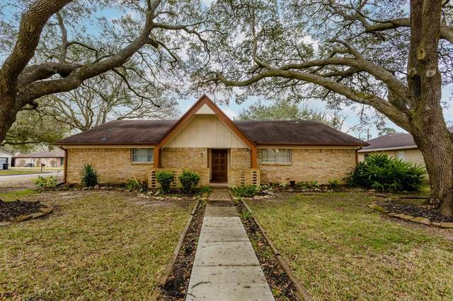 1901 Kings Lane, Alvin, TX 77511 (MLS #29693158) :: Giorgi Real Estate Group