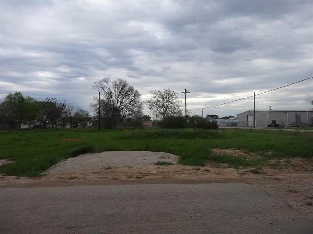 540 4th Street, Hempstead, TX 77445 (MLS #29707473) :: Ellison Real Estate Team
