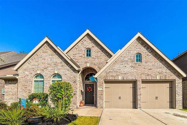 13511 Canyon Gale, Pearland, TX 77584 (MLS #29924626) :: The SOLD by George Team