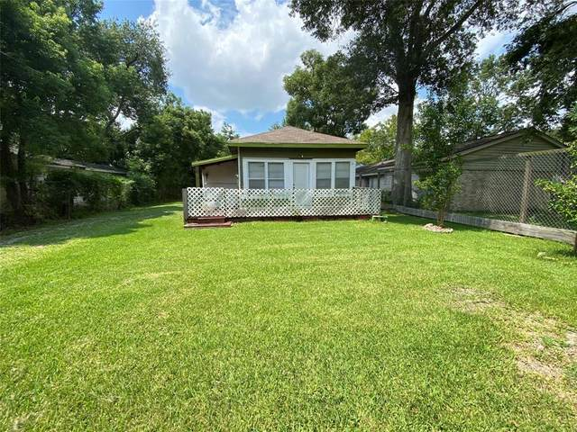 4806 1st Street, Bacliff, TX 77518 (MLS #29933780) :: The SOLD by George Team