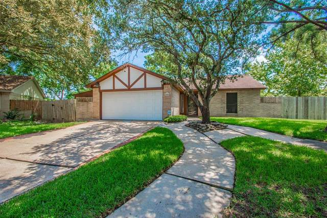 2501 Afton Court, League City, TX 77573 (MLS #29972764) :: The SOLD by George Team
