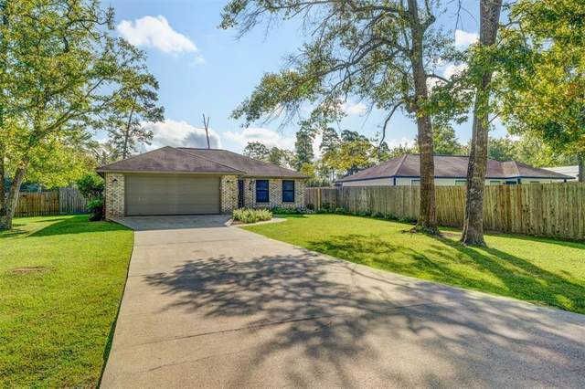 9839 Pine Point Drive, Montgomery, TX 77316 (MLS #30172728) :: The Home Branch