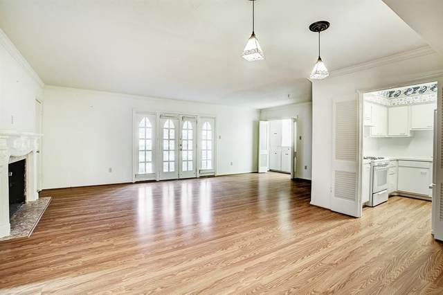 2600 Bellefontaine Street C12, Houston, TX 77025 (MLS #30240629) :: Giorgi Real Estate Group