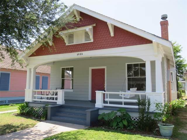 3325 Avenue Q 1/2, Galveston, TX 77550 (MLS #3024717) :: The Queen Team