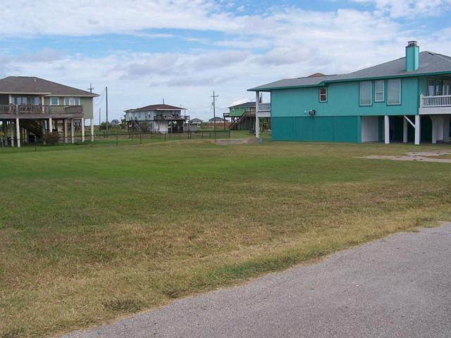 157 Ocean Shores Drive, Crystal Beach, TX 77650 (MLS #30292814) :: Texas Home Shop Realty
