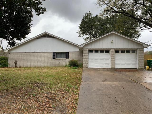 5000 Fairway Drive, Baytown, TX 77521 (MLS #30338100) :: The Kevin Allen Jones Home Team
