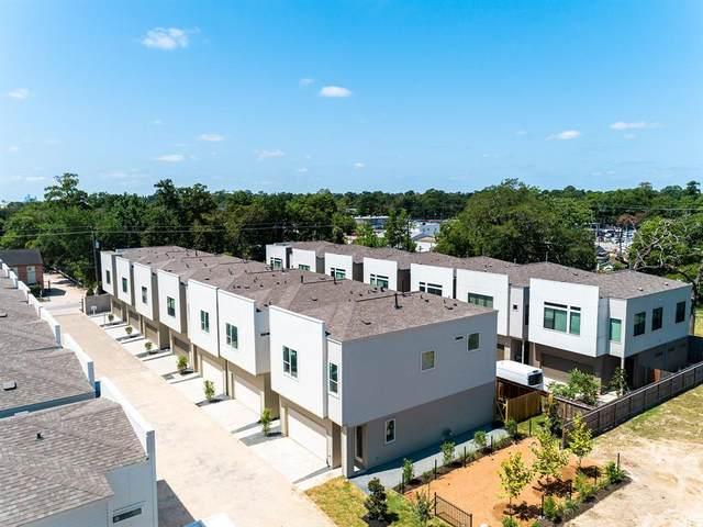 621 Thornton Oaks Grove, Houston, TX 77018 (MLS #30350672) :: The Queen Team
