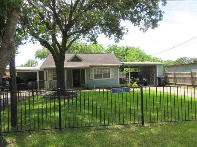 30502 1/2 Second Street, Fulshear, TX 77441 (MLS #30454817) :: All Cities USA Realty