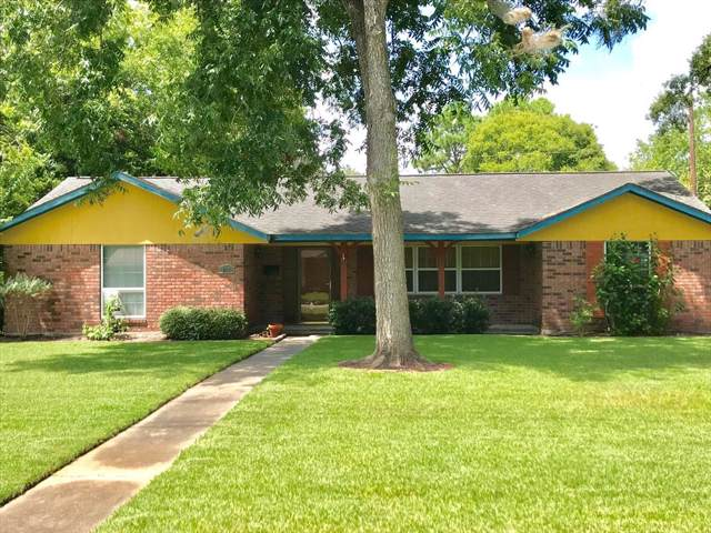 617 E Miller Street, Angleton, TX 77515 (MLS #30465595) :: Connect Realty