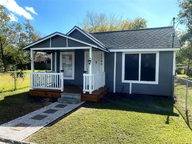 1109 Carver Street, Baytown, TX 77520 (MLS #30518279) :: Lerner Realty Solutions
