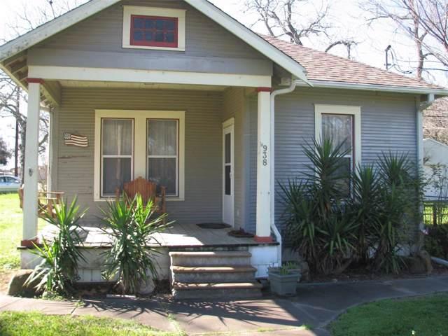 938 Live Oak Street, Columbus, TX 78934 (MLS #30889725) :: Ellison Real Estate Team