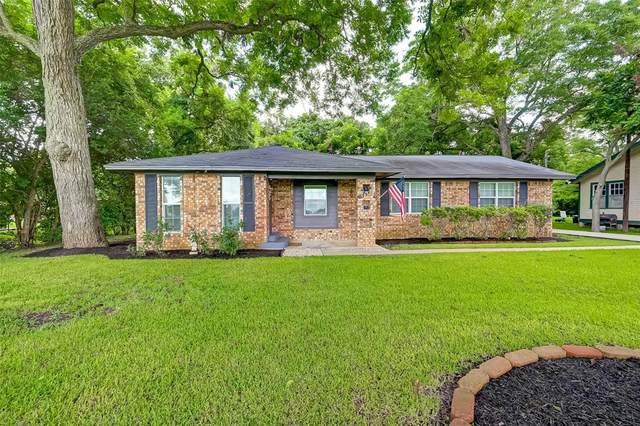 811 E Wayside Avenue, Wharton, TX 77488 (MLS #30986164) :: Michele Harmon Team