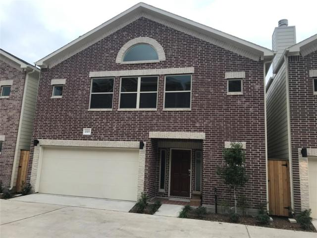 11509 Main Pine, Houston, TX 77025 (MLS #31017526) :: The Queen Team