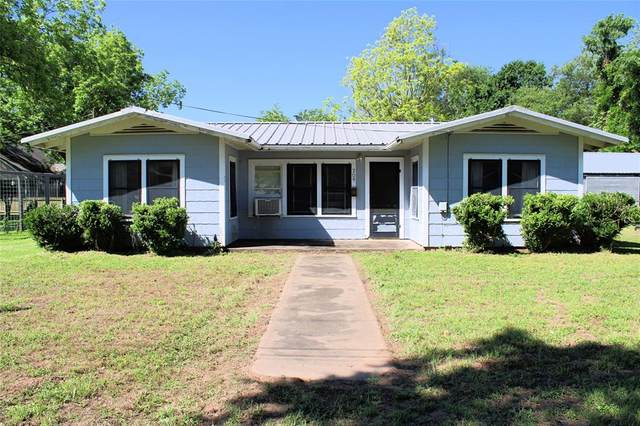 209 Third Avenue, Columbus, TX 78934 (MLS #310665) :: All Cities USA Realty