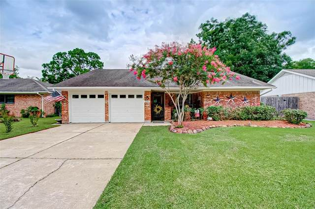 2211 Francis Drive, Pearland, TX 77581 (MLS #31119159) :: Christy Buck Team