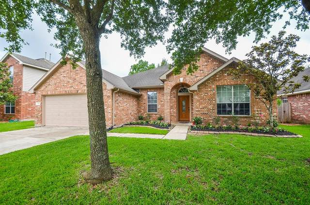 14414 Castle Cove Lane, Houston, TX 77044 (MLS #3122914) :: The SOLD by George Team