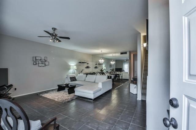 456 Wilcrest Drive #456, Houston, TX 77042 (MLS #31709839) :: The Sansone Group
