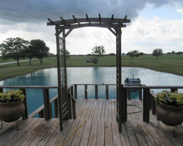 407 Chuckwagon Trail, Angleton, TX 77515 (MLS #31758542) :: Fairwater Westmont Real Estate