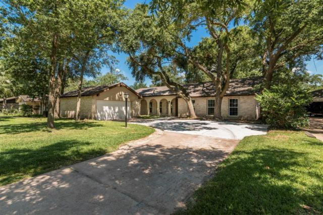 335 Forest Lake Drive, Seabrook, TX 77586 (MLS #31780778) :: The Bly Team