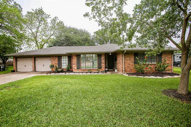 122 Poppy Street, Lake Jackson, TX 77566 (MLS #31781470) :: Bay Area Elite Properties
