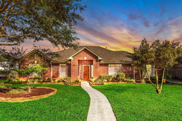 2007 Plantation Drive, Friendswood, TX 77546 (MLS #32032156) :: The SOLD by George Team