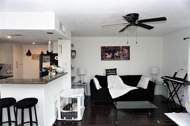 1900 Bay Area Boulevard #119, Houston, TX 77058 (MLS #32080073) :: The SOLD by George Team