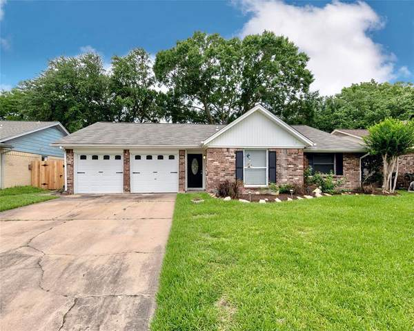 4218 Townes Forest Road, Friendswood, TX 77546 (MLS #32128700) :: The SOLD by George Team
