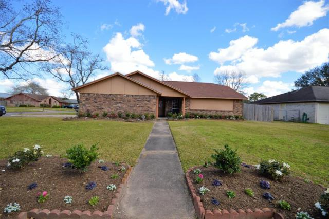 1801 Parkcrest Street, Alvin, TX 77511 (MLS #32134551) :: The Kevin Allen Jones Home Team