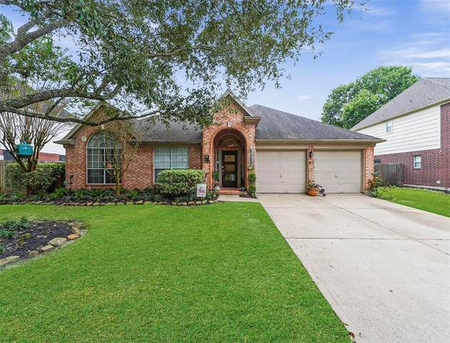 1239 Fawn Valley Drive, League City, TX 77573 (MLS #32227949) :: The Home Branch