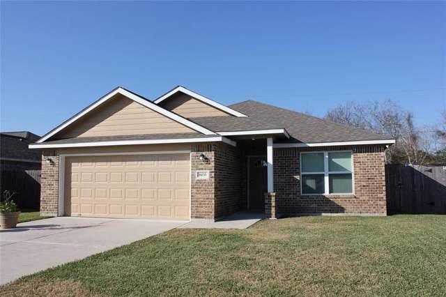6133 Fox Ridge Drive, Angleton, TX 77515 (MLS #32631899) :: The SOLD by George Team