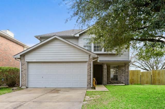 1305 Bayou Glen Drive, La Porte, TX 77571 (MLS #32682300) :: Michele Harmon Team