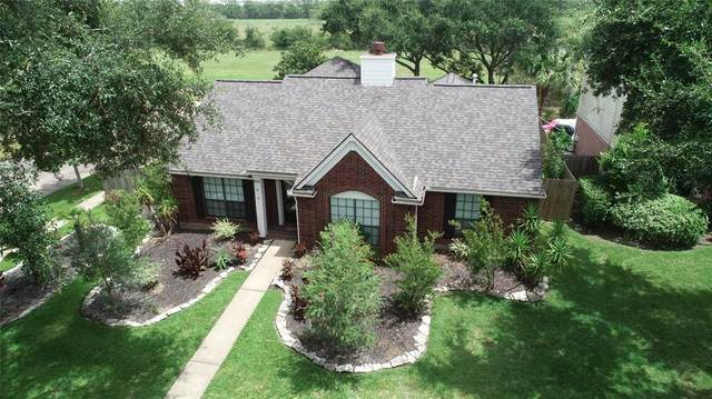 302 Sunset Ridge Drive, League City, TX 77573 (MLS #32894420) :: Texas Home Shop Realty