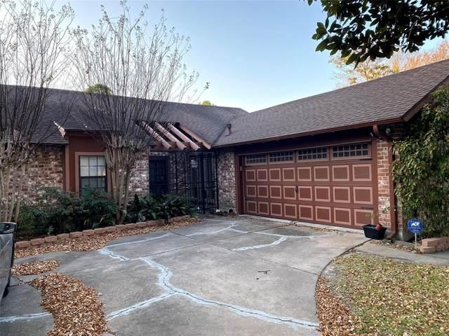 2210 Briarport Drive, Houston, TX 77077 (MLS #32920824) :: The Freund Group
