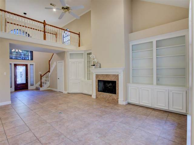 6888 Oakwood Grove, Houston, TX 77040 (MLS #32948935) :: The Bly Team