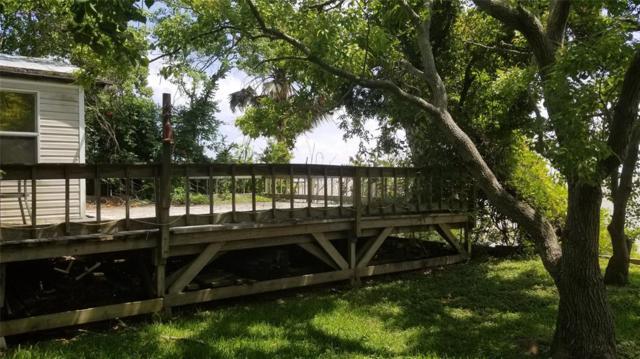 3014 Bay Oaks Harbor Drive, Baytown, TX 77523 (MLS #3298567) :: Connect Realty
