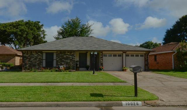 10026 Hillridge Road, La Porte, TX 77571 (MLS #3303543) :: Magnolia Realty
