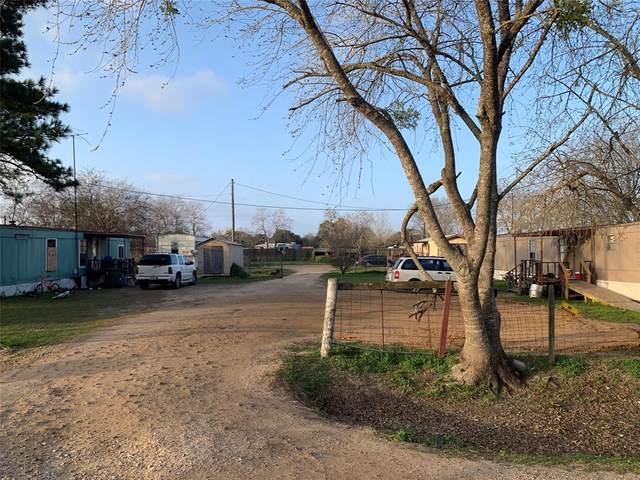 1318 Vallejo Street, El Campo, TX 77437 (MLS #33047181) :: The Queen Team