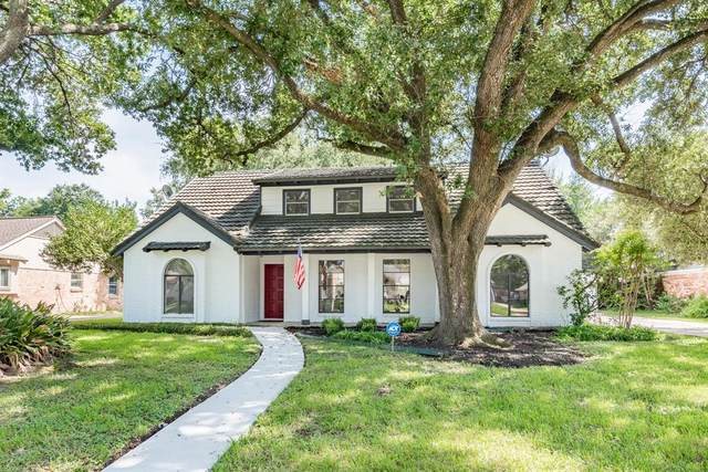 11423 Valley Stream Drive, Houston, TX 77043 (MLS #33071167) :: The Bly Team