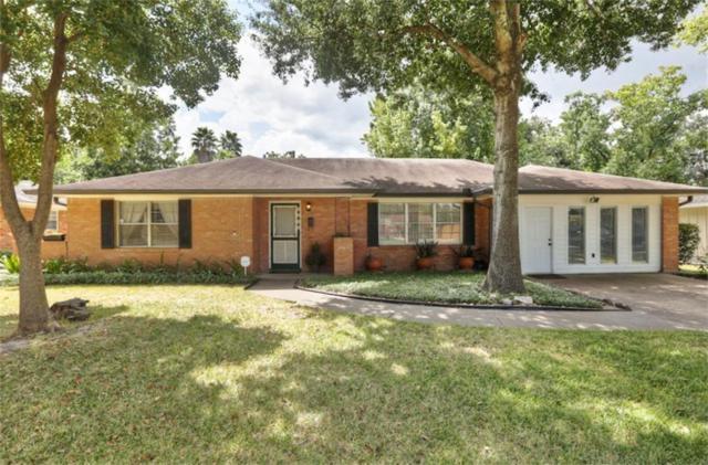 9909 Westview Drive, Houston, TX 77055 (MLS #33079822) :: The Sansone Group