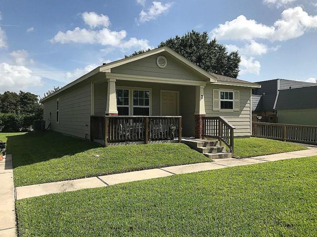 7 Bay Harbor Drive, La Porte, TX 77571 (MLS #33083413) :: Christy Buck Team