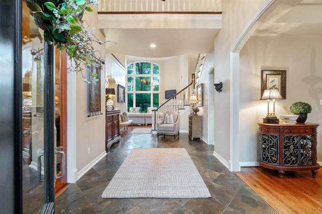 19 Wooded Brook Drive, The Woodlands, TX 77382 (MLS #33119828) :: The Freund Group